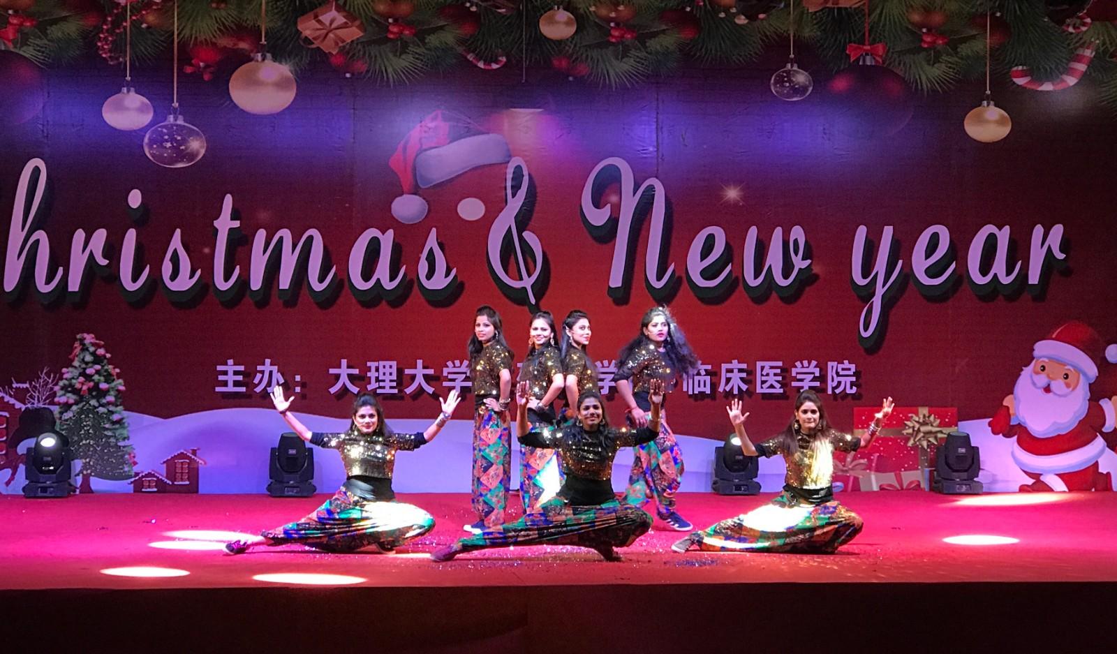 2016年留学生圣诞晚会印度舞蹈(2016.12.24).jpg